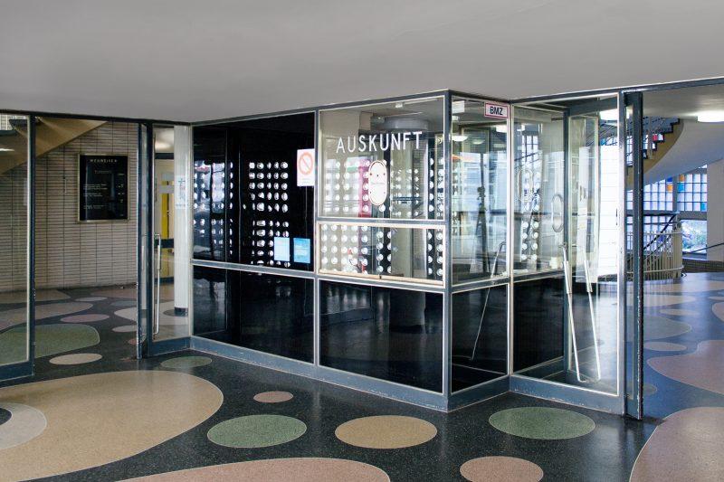 Eingangsbereich im Gesundheitsamt in Dortmund