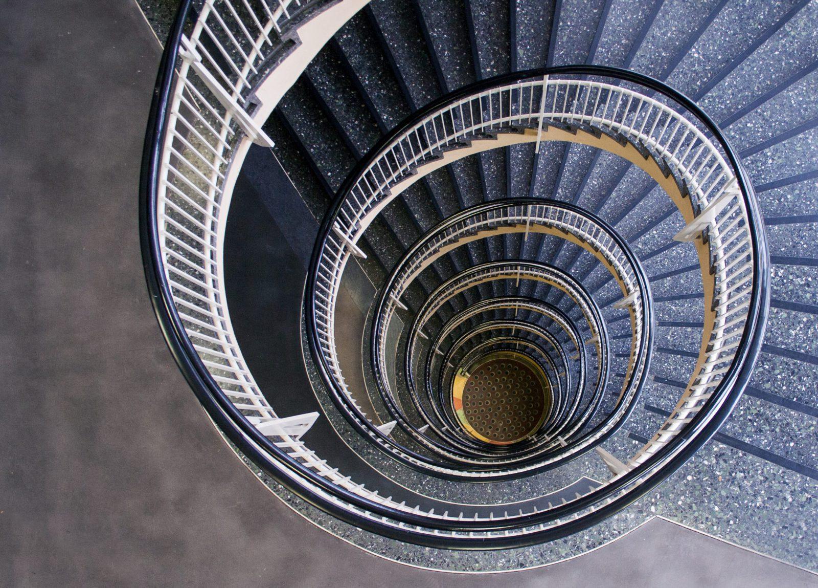 schneckenförmige Treppe im Gesundheitsamt in Dortmund